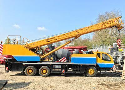 1 off used ZOOMLION model QY30V Mobile Truck Crane (2008)