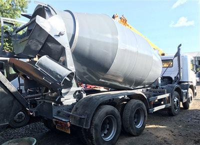 1 off used SCANIA / HYMIX 8/9m3 Standard Transit Concrete Mixer (2004)